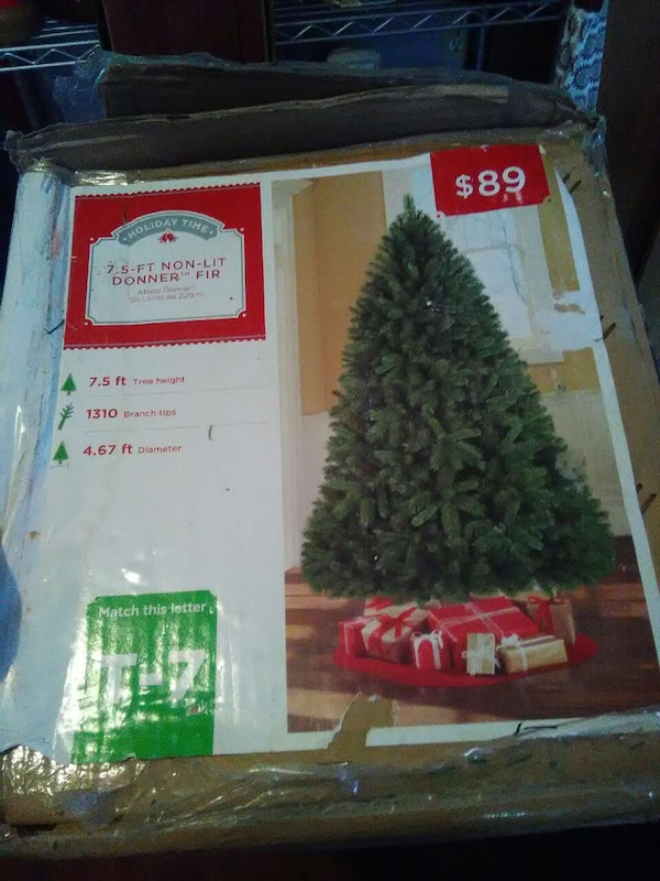 Lit A Donner used green 7.5 ft. non-lit donner fir box for sale in tacoma - letgo