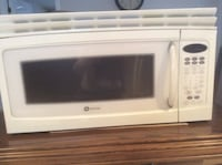 White Maytag microwave and fan...hardly used  Montréal, H1E