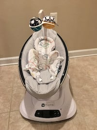4Moms MamaRoo 4 Classic Infant Seat in Grey with Infant Insert Fairfax