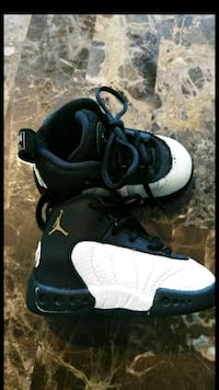 pair of black-and-white Nike basketball shoes Willingboro, 08046