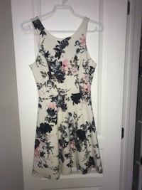Floral formal dress (size: small) Hamilton