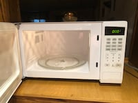 white General Electric microwave oven Richmond Hill, L4C 5A6