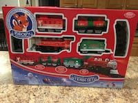 Classic Rudolph The Red Nose Reindeer Train Set lights and sounds BRAND NEW! Cicero, 13039