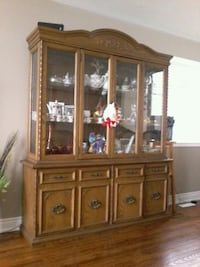 China cabinet solid oak Barrie, L4N 8S6