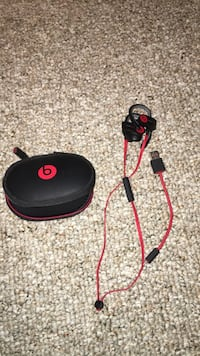 black and red Beats by Dr. Dre Powerbeats 3 earphones with case Kitchener, N2R 1B8