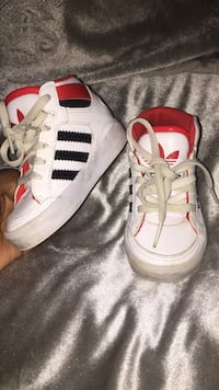 toddler'swhite-and-red Adidas sneakers