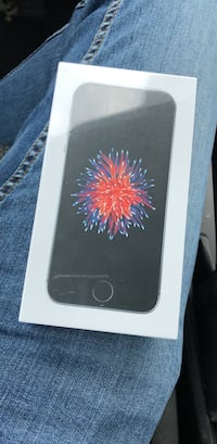 iphone se 32GB unlocked brand new Paterson, 07503