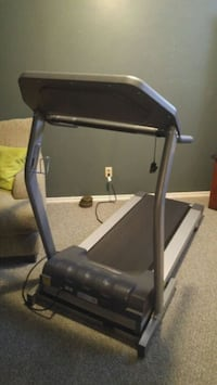 Fold up treadmill Kitchener, N2A 4B4