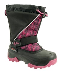 NEW: girls winter boots *ONLY ONE BOOT LIGHTS UP*