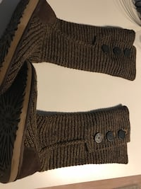 Brown knitted Ugg boots sz7  Rockville, 20850
