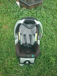 baby's black and green car seat carrier Hickory