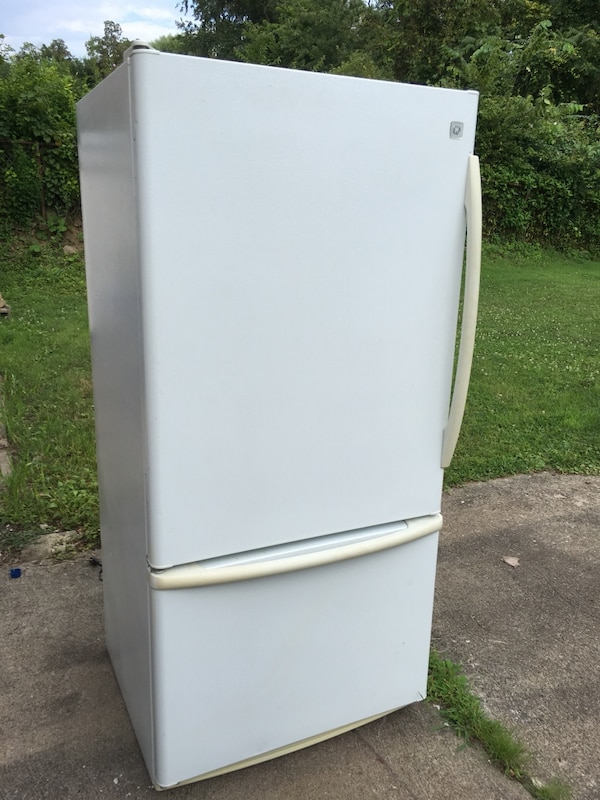 Used Refrigerator White For Sale In West Mifflin Letgo