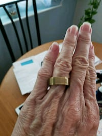 Gold stainless steel ring size 8.5 West Valley City, 84119