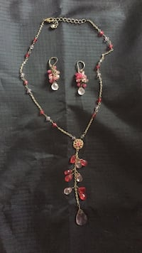 Pink necklace and earring set Toronto, M2R 3A7