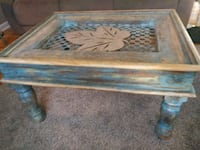 Indescribable & unique wood/metal coffee table Clarksville, 37040