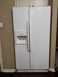 White side-by-side refrigerator with dispenser Coppell, 75019
