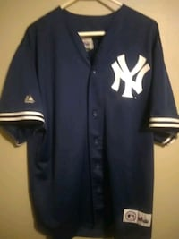 black and white New York Yankees jersey shirt Dearborn Heights, 48127