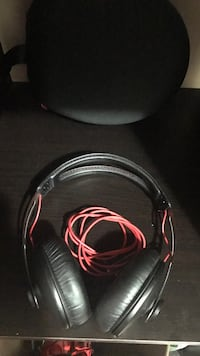 Sennheiser Momentum 1 Studio Headphones London, N5Y 1G8
