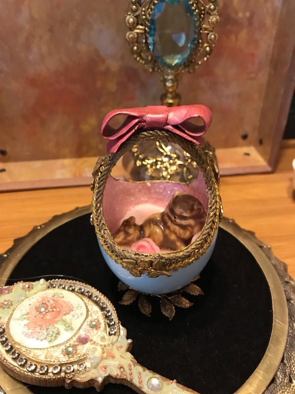 Pretty! Genuine Goose Egg all trimmed in Brass with Porcelain Kitty 8c8d150e-8bd8-447f-afd2-725432a27029