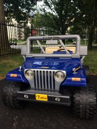 Like new children's Jeep hardly used Burlington, L7L 1C1