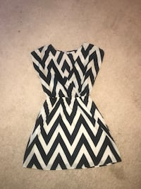 white and black chevron sleeveless dress Annandale, 22003