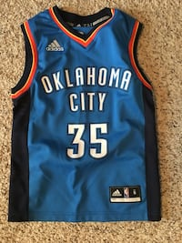 Kids Kevin Durant jersey. Size small Edmonton, T6T 0P2