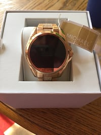 Rose gold Michael kors smart watch with gem stones Winchester, 22601