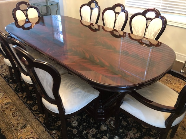 Beautiful Dining Table Set With 8 Chairs and Buffet 54a2848e-5bbf-4f7a-8301-57024bb66a4e