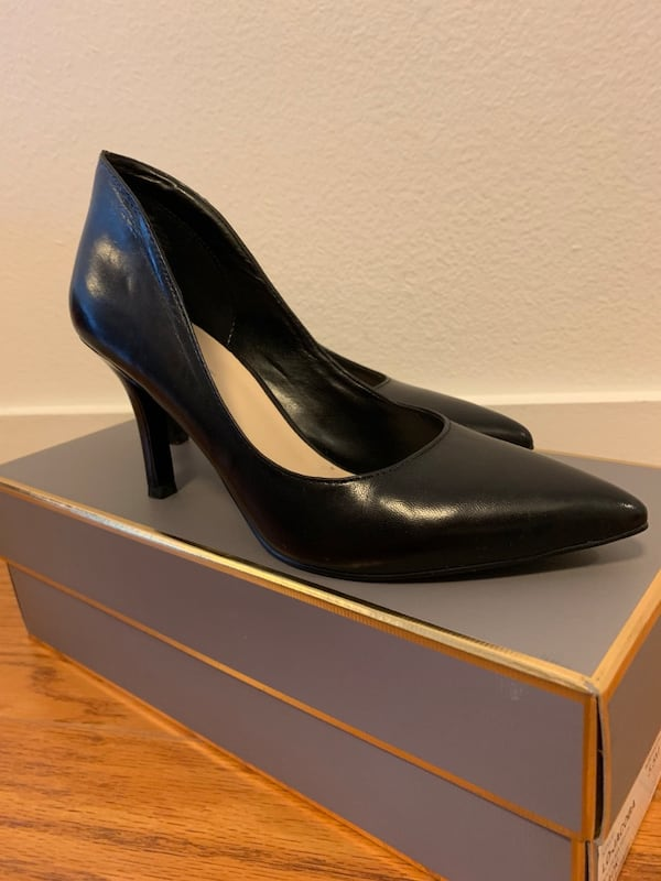 Nine West Black pumps in size 5 BRAND NEW 435f38b6-9ad5-4f41-a4b6-8fe7a831d84a
