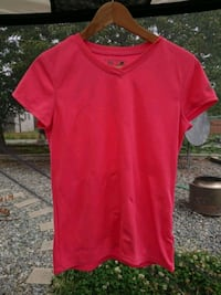 red v-neck t-shirt Nanaimo, V9R 1S4