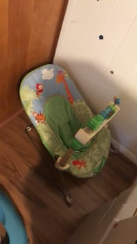 baby's green and blue bouncer Springfield, 22150