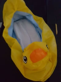 Inflatable duck Tub for infants Hyattsville, 20784