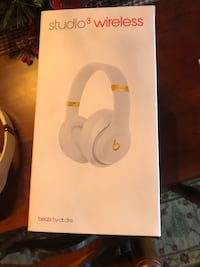 white Beats by Dr Canfield, 44406