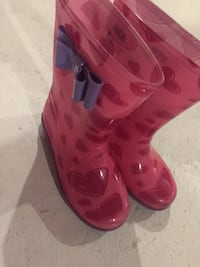 pair of pink and red galoshes Whitby, L1P