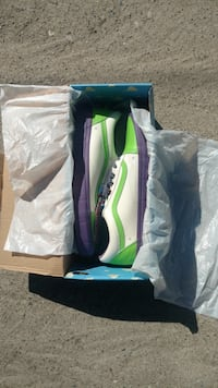 Pair of green-and-white old Skool vans (buzz light year edition) Roseville, 95678