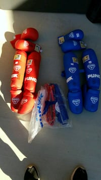 Tournament adjustable gloves and gear Yucca Valley, 92284