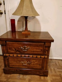 Nice wooden night stand with drawers in very good  Annandale, 22003