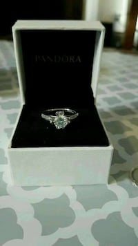 diamond stud silver ring Sherwood Park, T8E 1H1