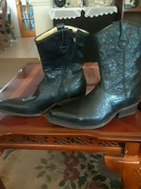 pair of black leather cowboy boots Woodbridge, 22191