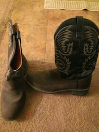 11 and a half cowboy boots in great condition Ranson, 25438