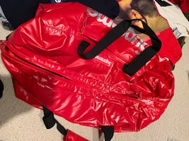 Supreme fw17 red duffle