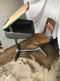 black and brown rolling chair Des Moines, 50317