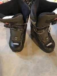 Like new HEAD children's snowboard boots size 4/5