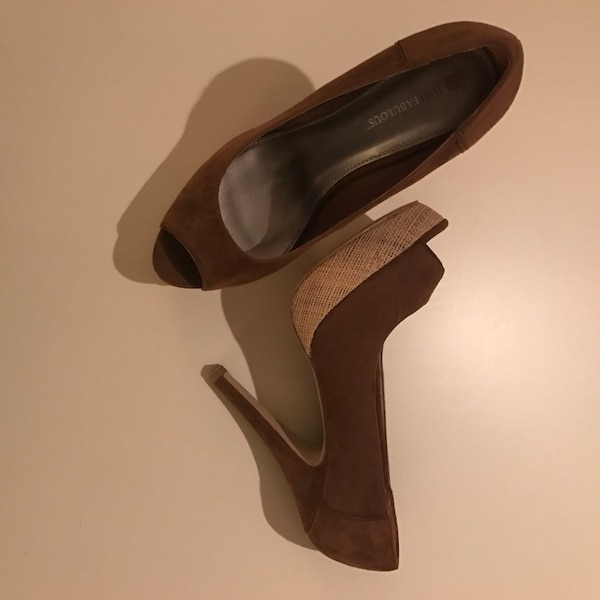 SIZE: 10. NEW. Brown leather peep toe stilettos