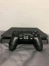 black Sony PS4 console with controller Stanley, 83278