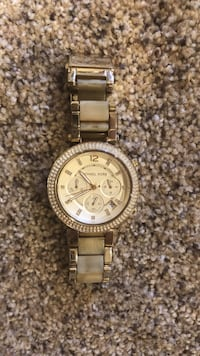Round gold-colored chronograph watch with link bracelet Yorba Linda, 92886