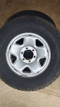 gray 5-spoke car wheel with tire Bentonia, 39040