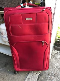 Large luggage .. (broken) missing one wheel