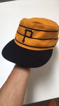 Cooperstown collection/Pittsburgh pirates-Vintage look baseball hat good condition-L London, N5W 1E8