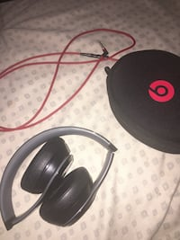 Black beats by dr. dre headphones with case Mobile, 36608